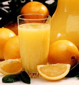 Oranges_and_juice.jpg